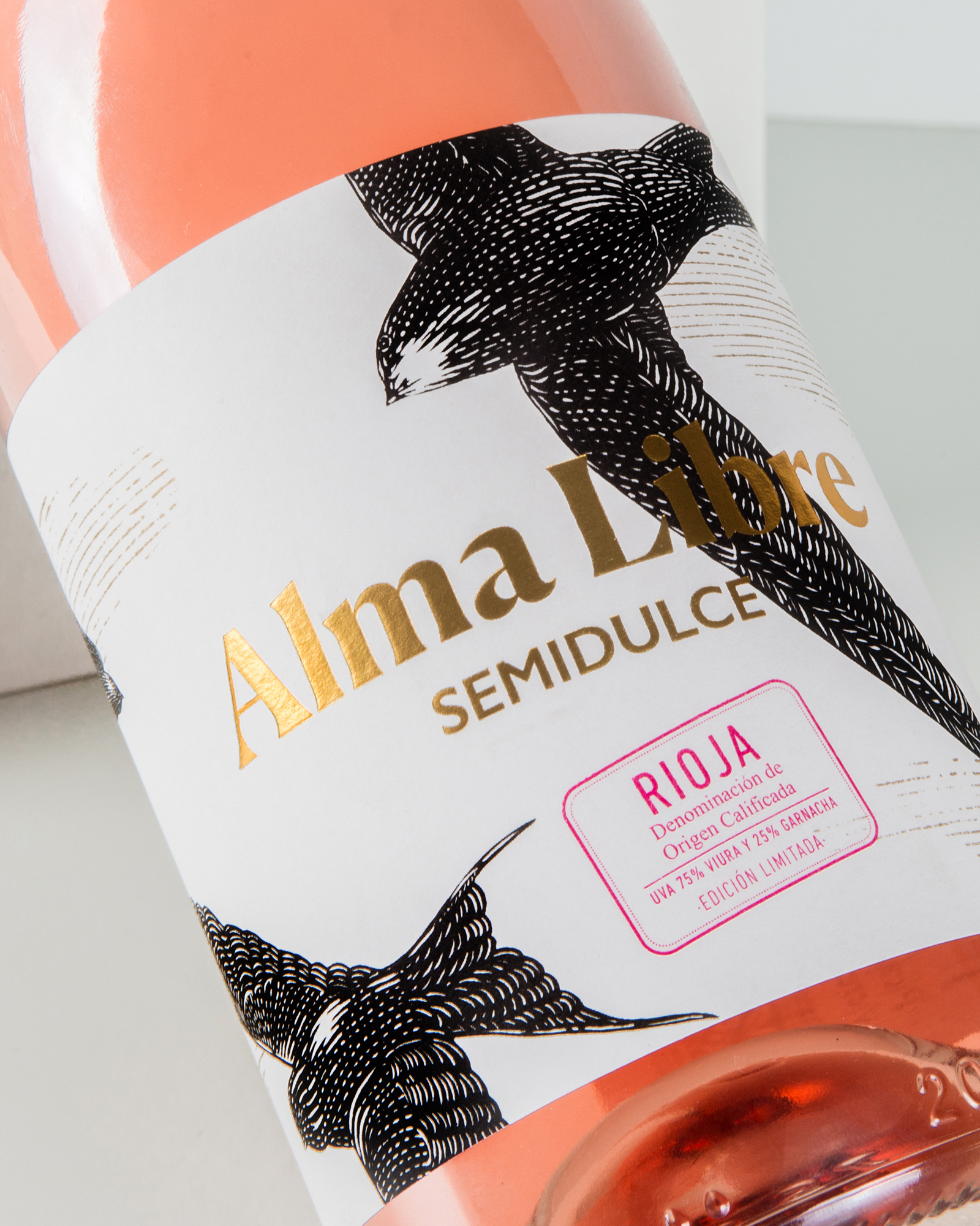 Spanish Limited Edition Packaging Design for Migratory Birds and for Labels with No Borders