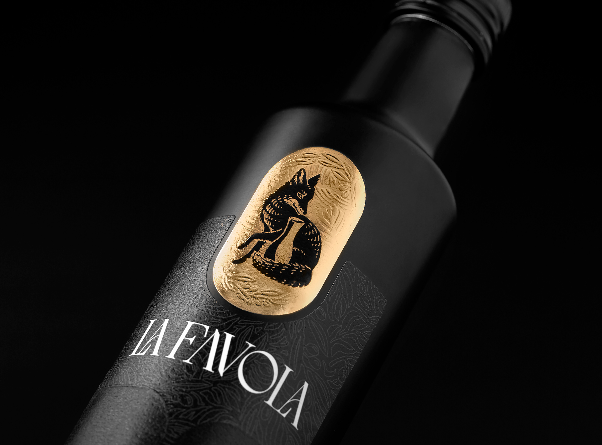 Holy Studio Created Packaging Design for La Favola Extra Virgin Olive Oil Born in Southern Brazil