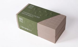 """Bilingual Packaging Design for Melon Seeds and """"Go"""" Board Game"""