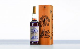 Label and Packaging Design Raposa Velha