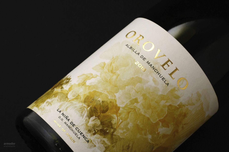 Orovelo Wine Label Design