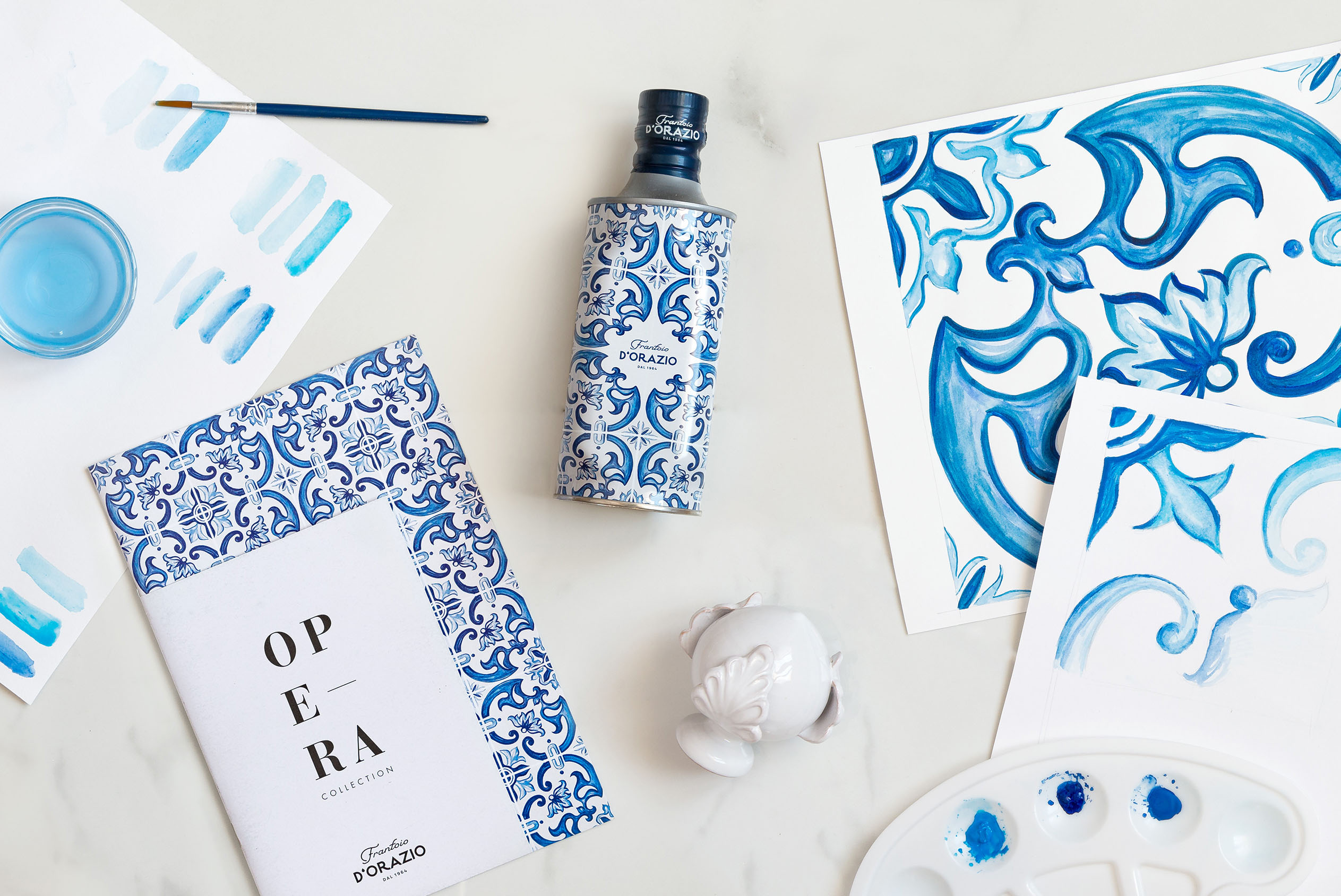 """Opera"" Maiolica Inspired Packaging for Frantoio D'Orazio Extra Virgin Olive Oil"
