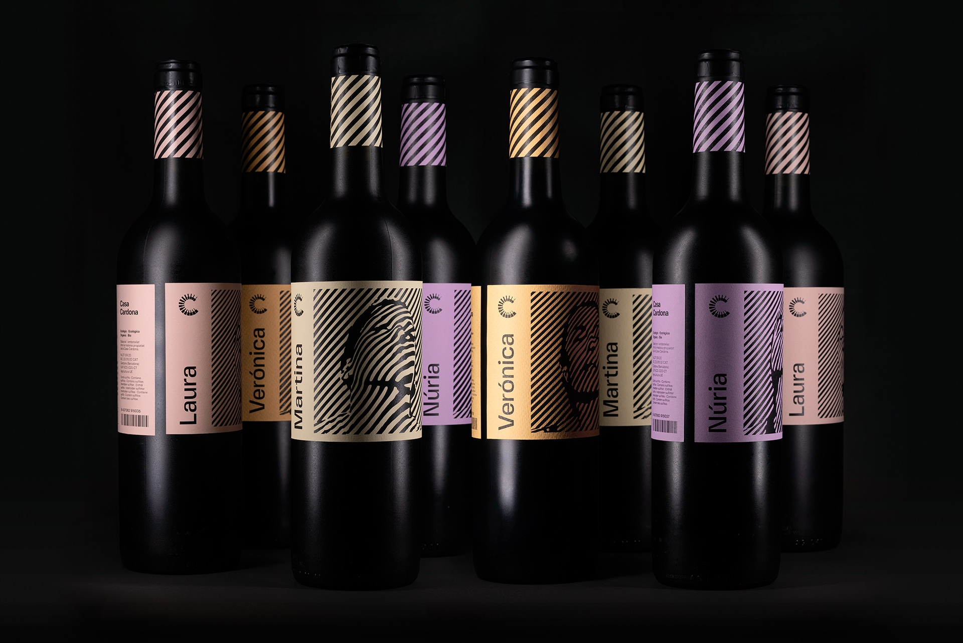 Wine Label Design Inspired by 1960s Op-art
