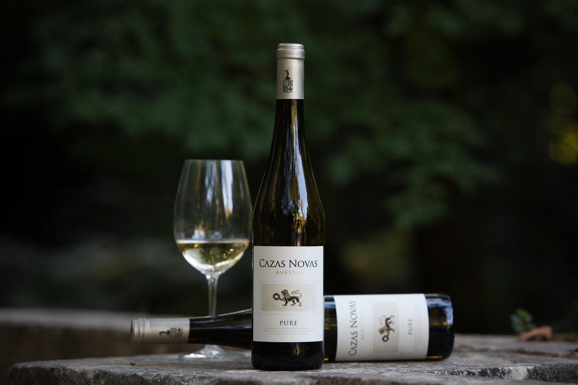 Cazas Novas Wine From Portugal by Moço Wine Branding