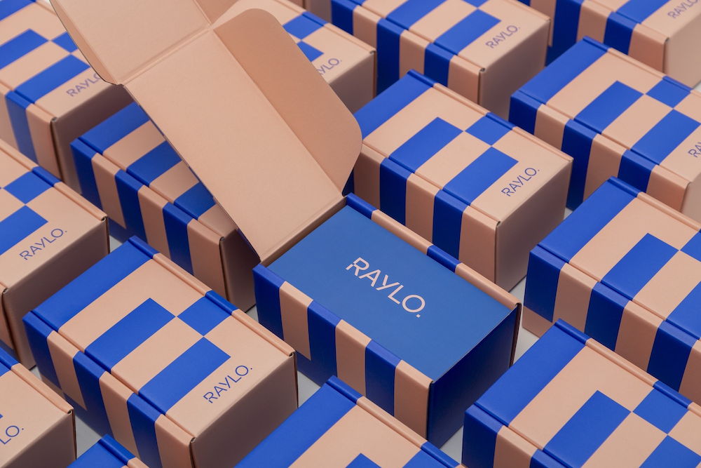 Eco-Packaging Tailored for Telecom Innovative Brand Raylo