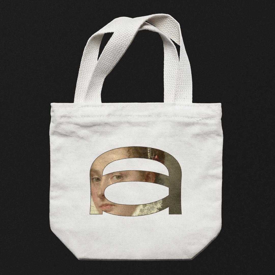 Graphic Designer Candia Souranaki Personal Branding