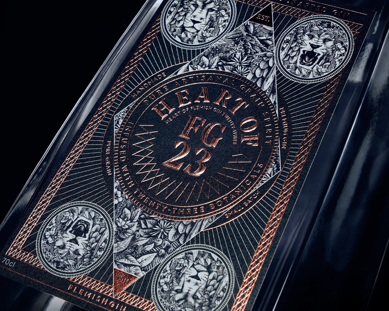 De Moor Flemish Gin 23 Craftsmanship Packaging by Sign Brussels