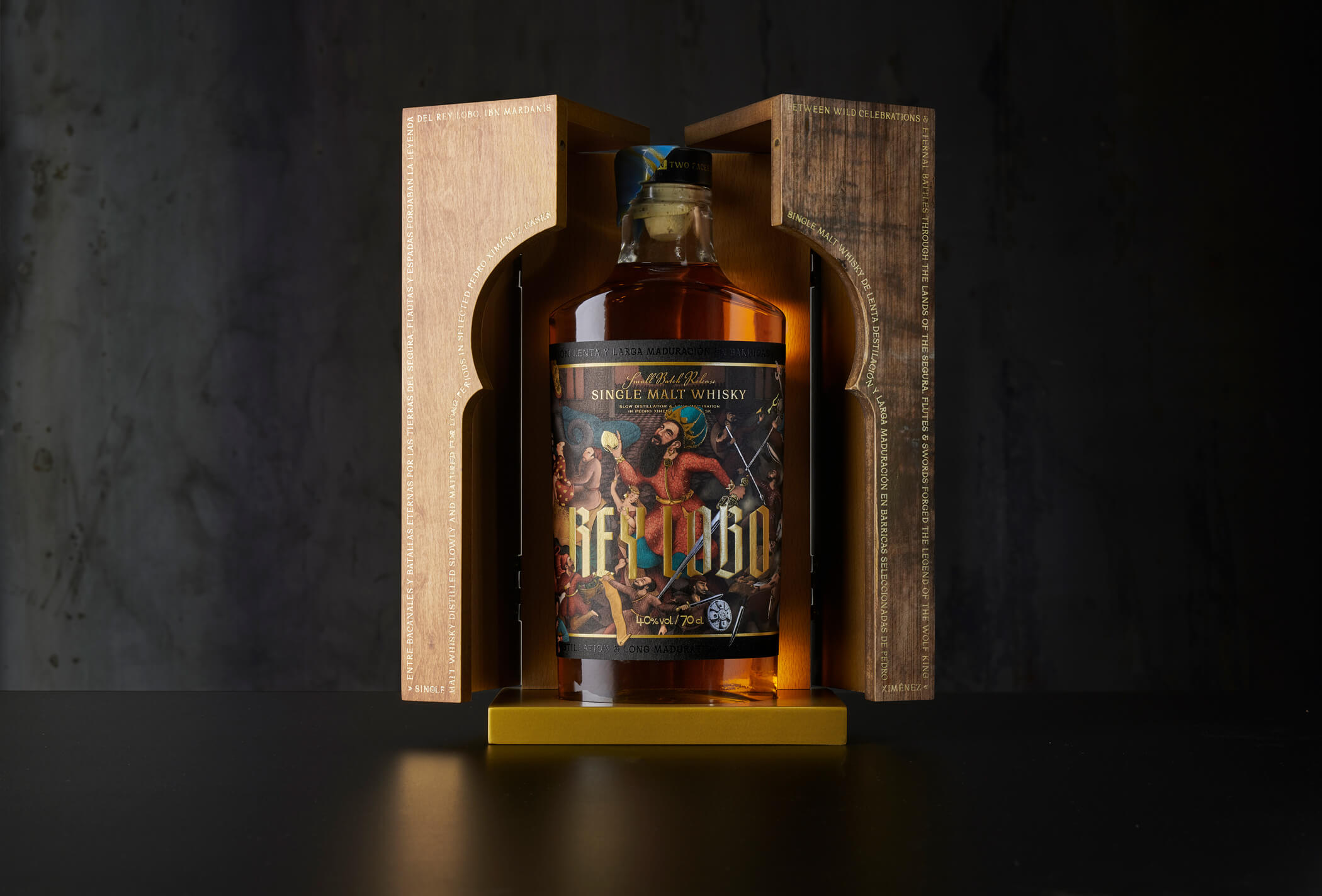 Rey Lobo Whisky Label and Packaging Design by Maba