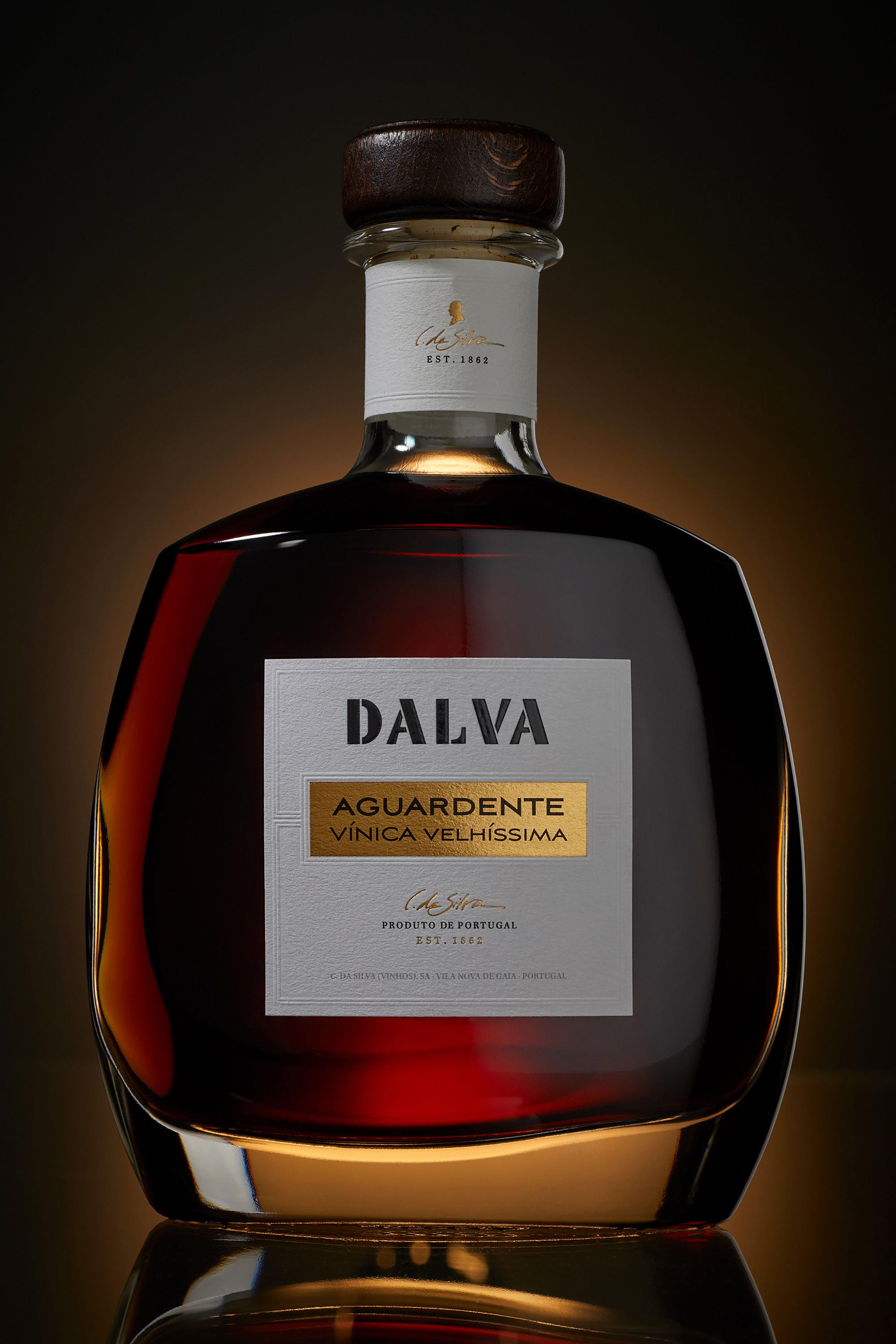 Dalva Aguardente Vínica Velhíssima by Omdesign