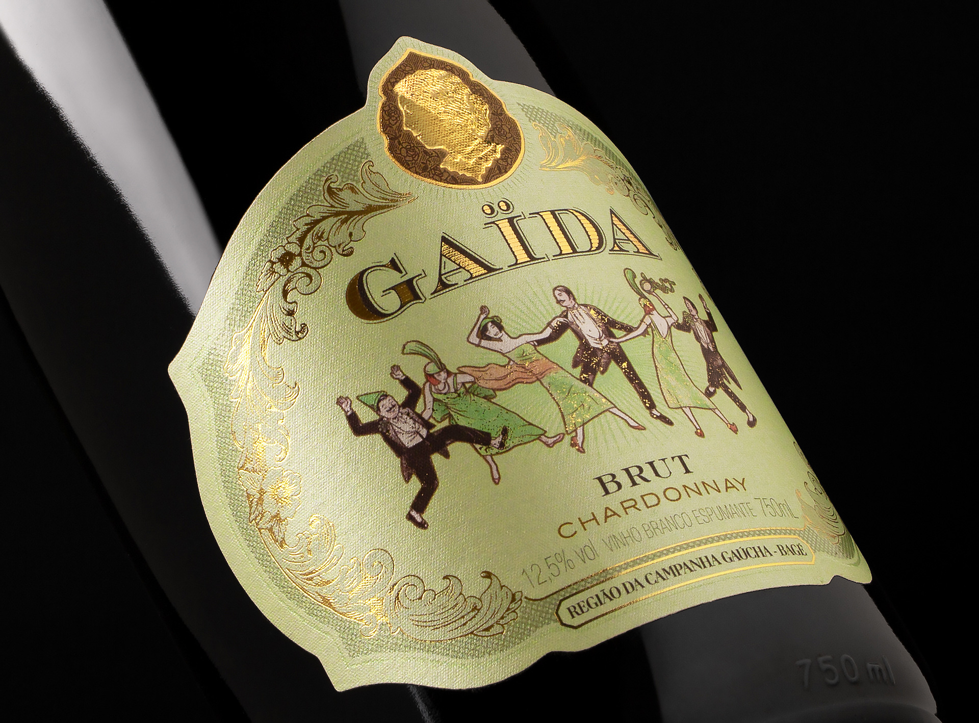 Gaïda Sparkling Wine Packaging Labels Created by Holy Studio