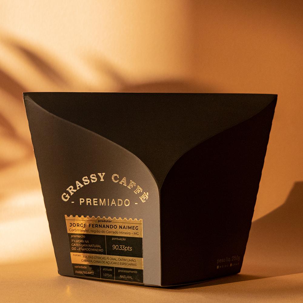 Grassy Caffè Premium Packaging Designed by Choque Design
