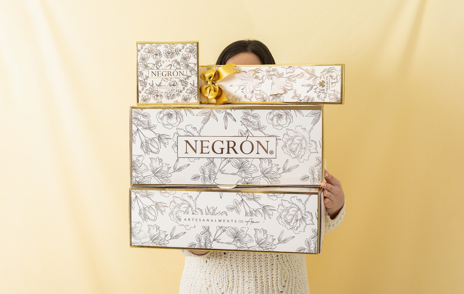Floral Packaging Design Collection for Negrón by Otero