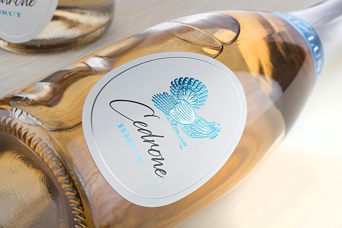 Cedrone Sparkling Wine by Cantina Val di Luna